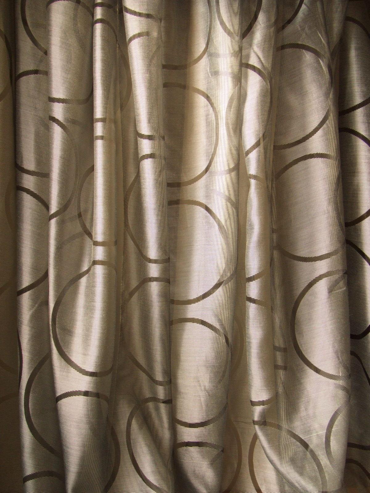 グレー円柄カーテン