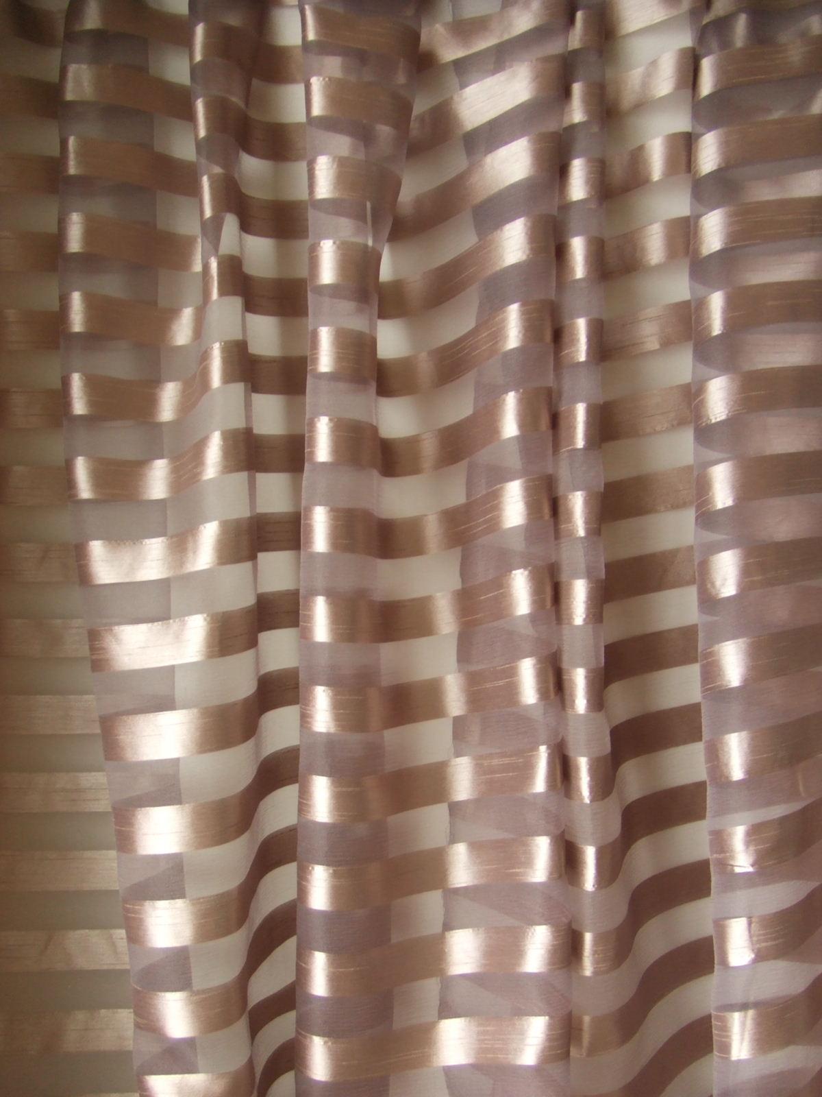 あざき色カーテン